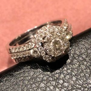 Beautiful Sparkling Ring
